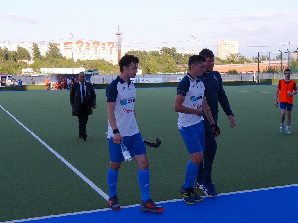 Казанские хоккеисты на траве без проблем разобрались с «Таной»
